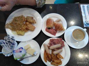 Menu makan pagi  / Pesankamarhotel.com