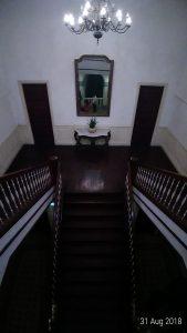 tangga hotel mojopahit