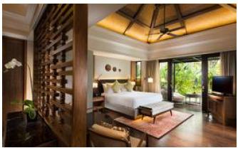 pesankamarhotel.com |   C O N R A D  P O O L  V I L L A S